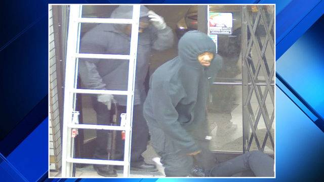 Detroit liquor store armed robbery suspect 2