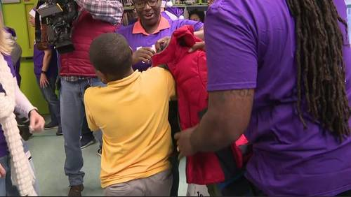 Hundreds of HISD students given free winter coats