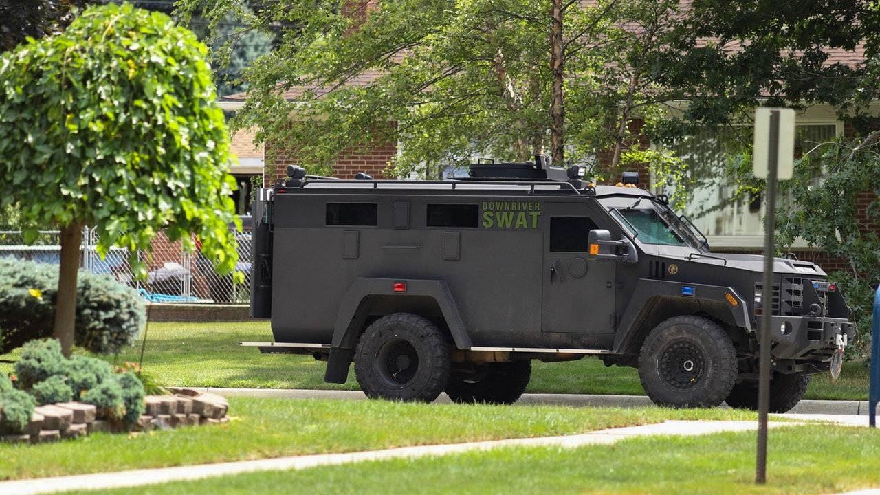 Allen Park barricaded gunwoman 3