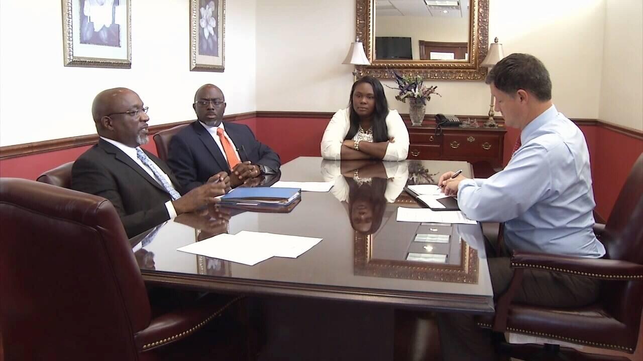 jodi-two-attorneys-with-kent-jpg.jpg_35727694