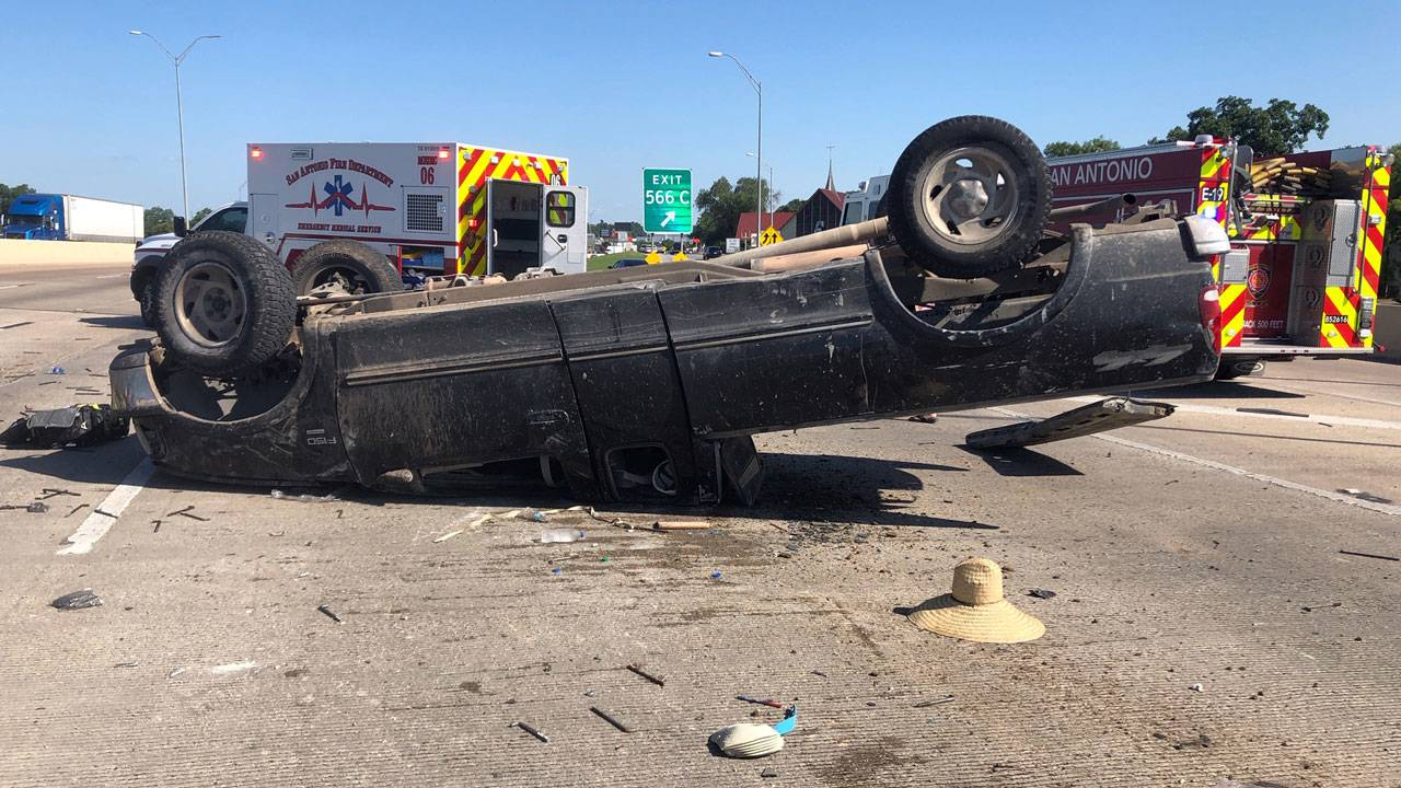 Man killed after being ejected in rollover crash on I-10