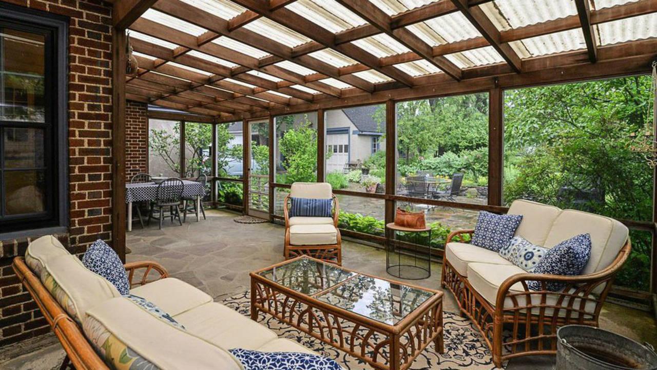 2023 Seneca Ave covered porch
