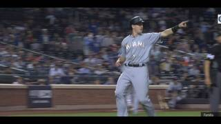 Marlins rally for 2-1 win over Mets