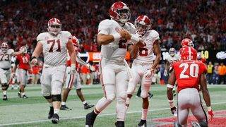 Jalen Hurts comes off bench, leads Alabama to SEC title over Georgia