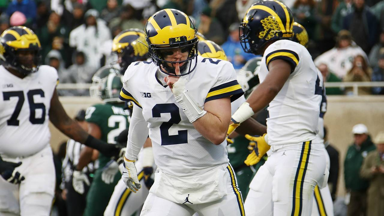 Shea Patterson shush Michigan football vs Michigan State 2018