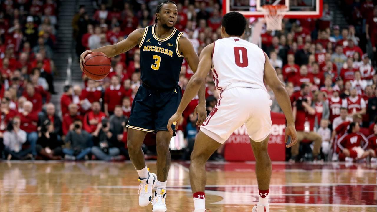 Zavier Simpson Michigan basketball at Wisconsin 2019