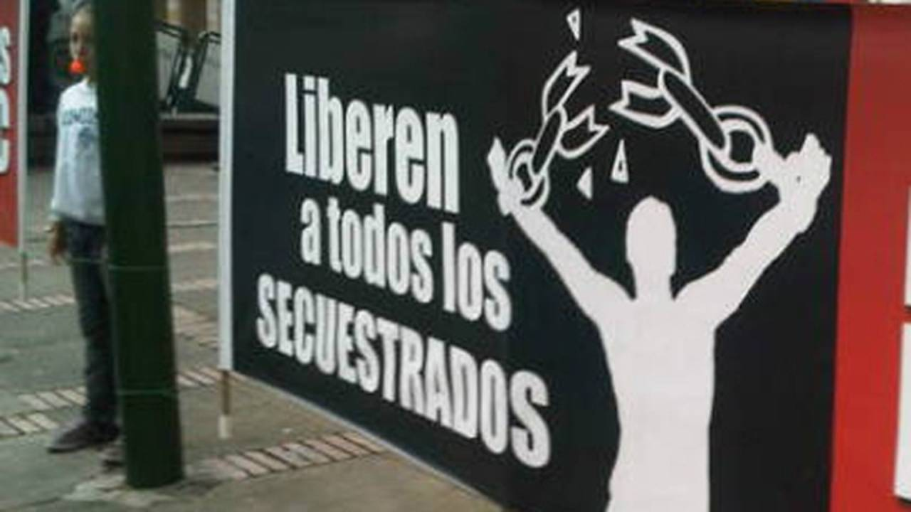 Colombian-protest-sign.jpg_30415246