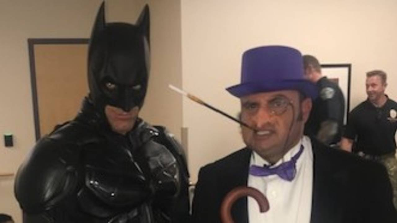 Batman and the Penguin (1)_1559317923600.jpg.jpg