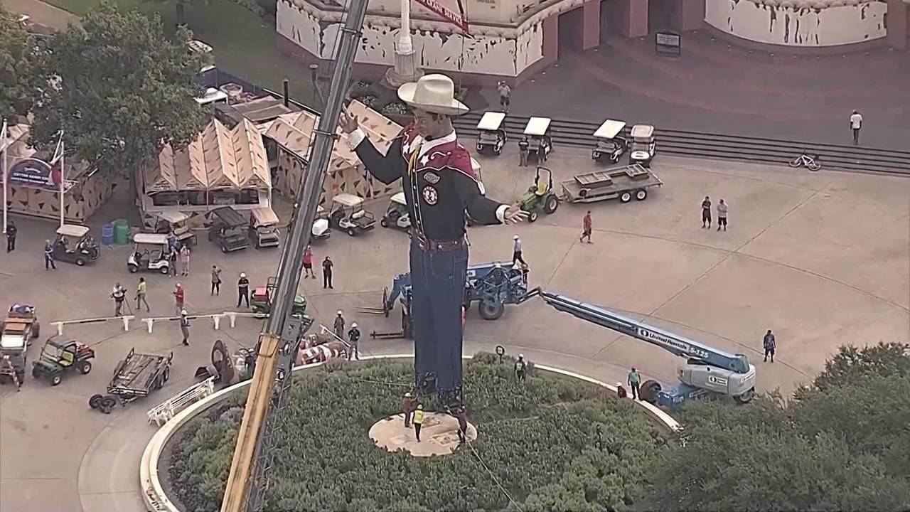 Big Tex going up at Texas State Fair 2017