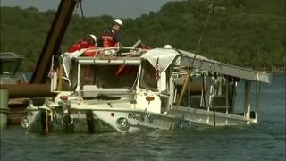 Sunken duck boat raised from Missouri lake