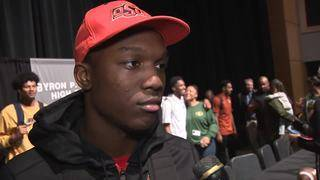 WATCH: Steele's JayVeon Cardwell talks about decision to sign with&hellip&#x3b;