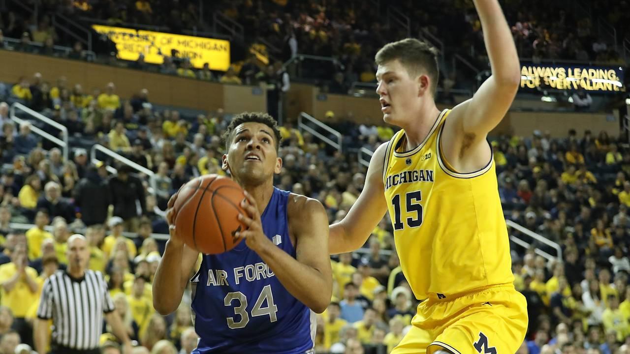 Jon Teske Michigan basketball vs Air Force 2018