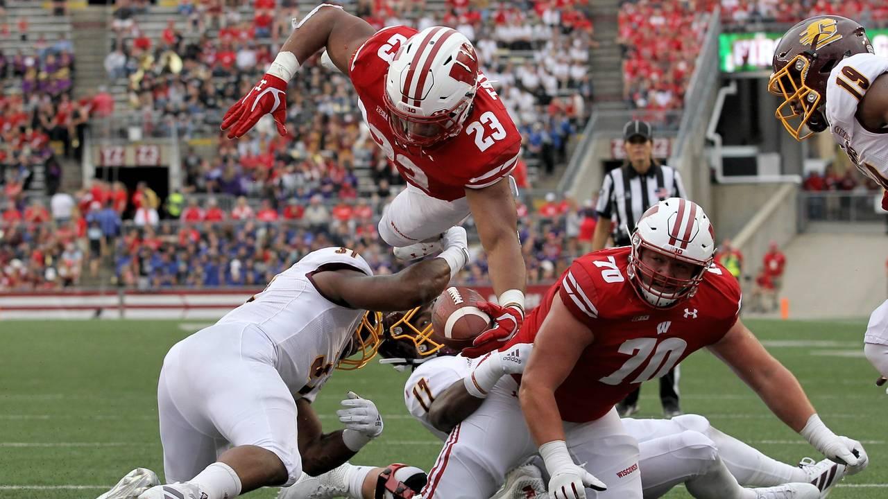 Jonathan Taylor touchdown vs CMU Wisconsin 2019