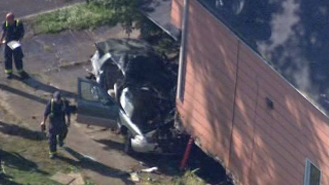 Car crashes into house Detroit's east side 2 killed 2