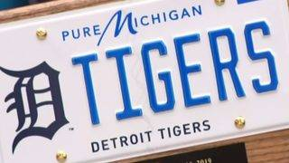 Michigan drivers can now get license plates with Lions, Pistons, Red&hellip&#x3b;