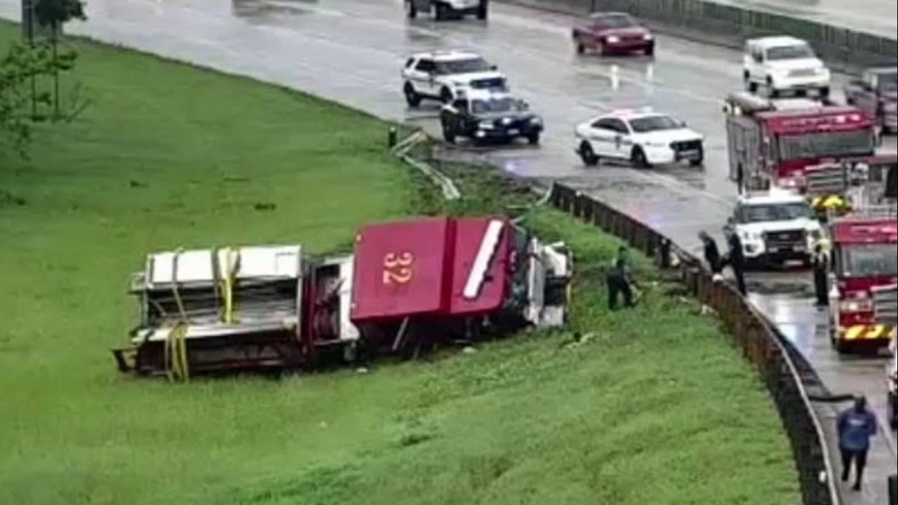 Fire-truck-overturned-I-10-_1568556887756.jpg
