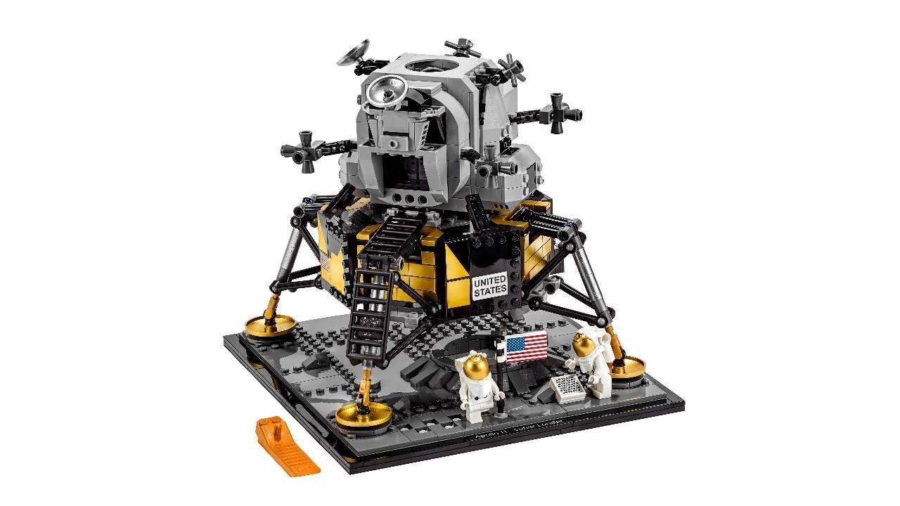 Lego lunar lander