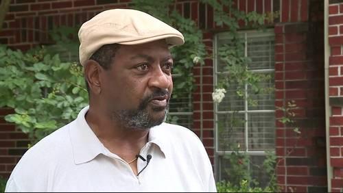 Good Samaritan's car stolen while he helped man with broken down car