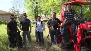 KPRC2's Bill Spencer steps in to help clean overgrown lot in SW Houston&hellip&#x3b;