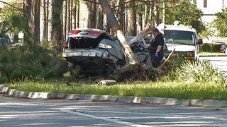 1 killed, 2 injured when teens crash into tree on Oakleaf Village Parkway