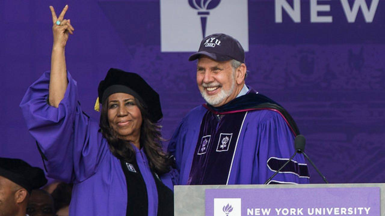 Aretha Franklin receives honorary doctorate from NYU in 201463547687-75042528