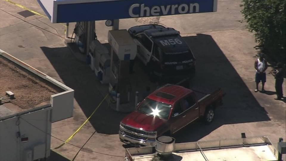 chopper w little york gas station shooting_14-19-46,03_1523388989839.jpg.jpg