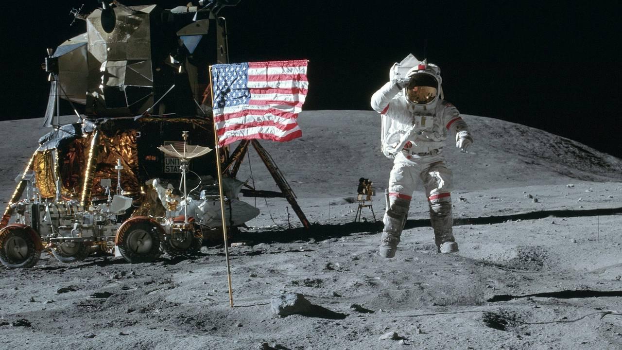 Apollo on the moon_1561081495564.jpg-75042528.jpg07971042