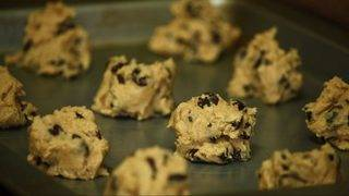 Say no to raw cookie dough, CDC warns