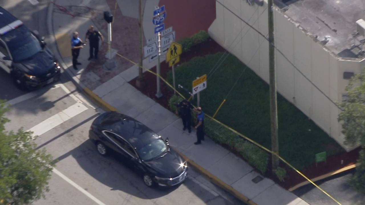 Sky 10 above Regions Bank after attempted robbery in Miami Beach