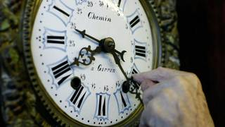 Florida governor says yes to year-round daylight saving time