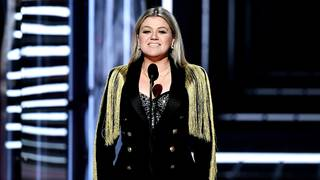 The reason Kelly Clarkson didn't do a moment of silence for Texas at the&hellip&#x3b;