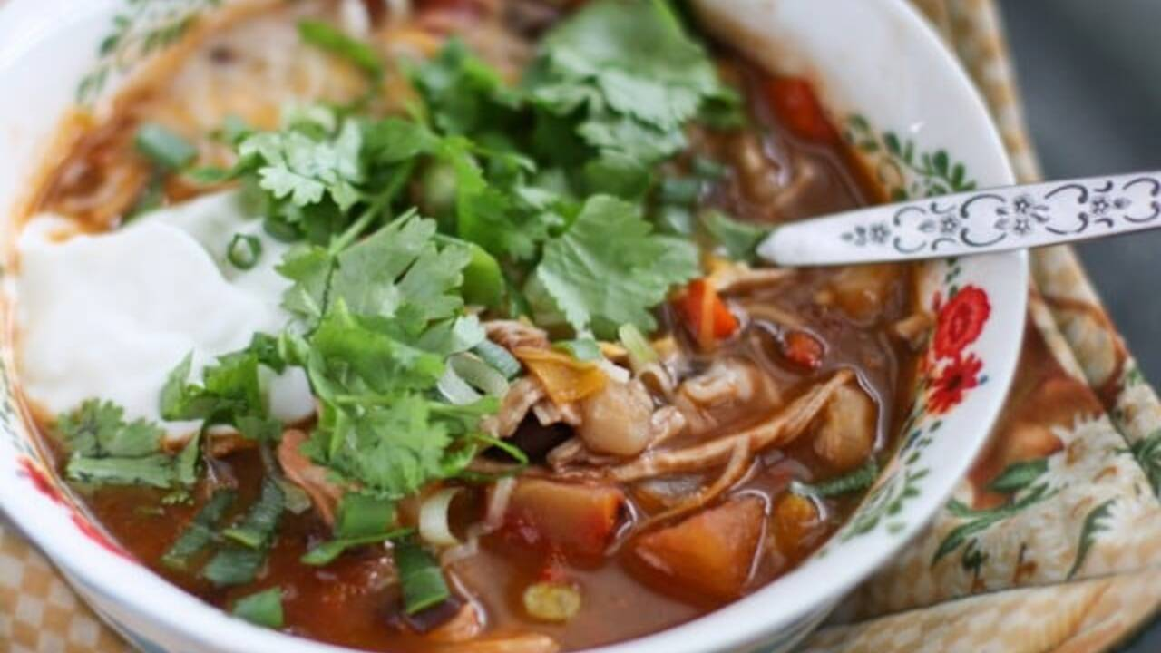 Chicken_Tortilla_Soup_Recipe_Aggies_Kitchen-2-640x426_1543604995734.jpg