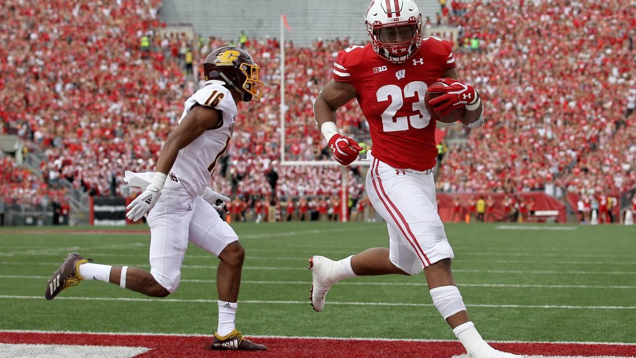 Jonathan Taylor Wisconsin football vs Central Michigan 2019