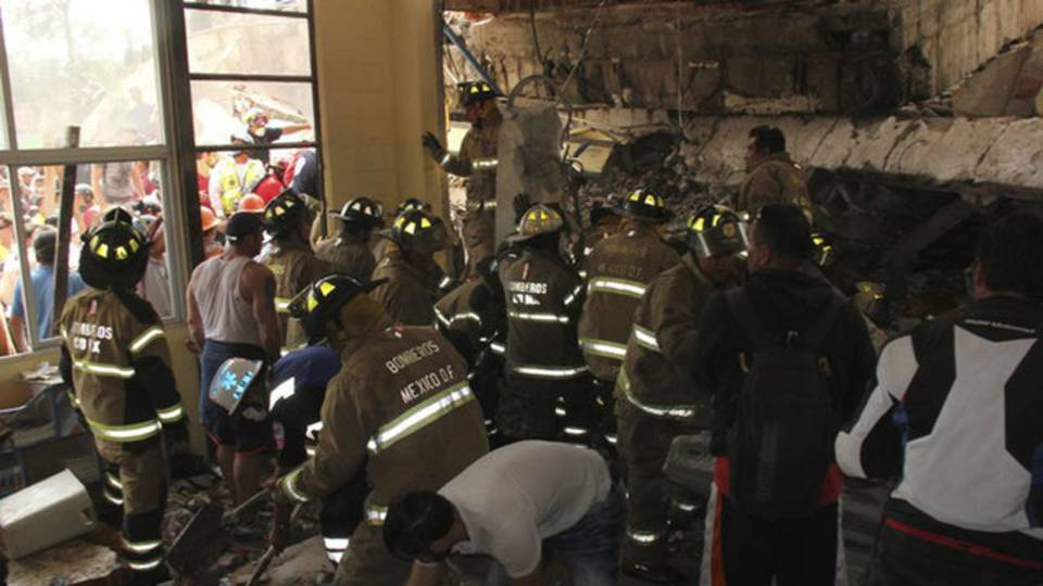 EARTHQUAKE MEXICO CITY BUILDINGS COLLAPSED