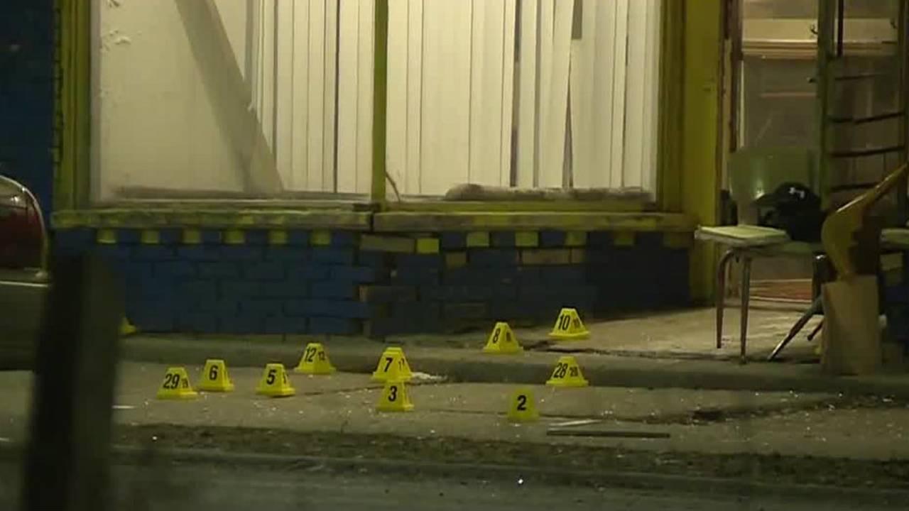 Detroit police officer shot