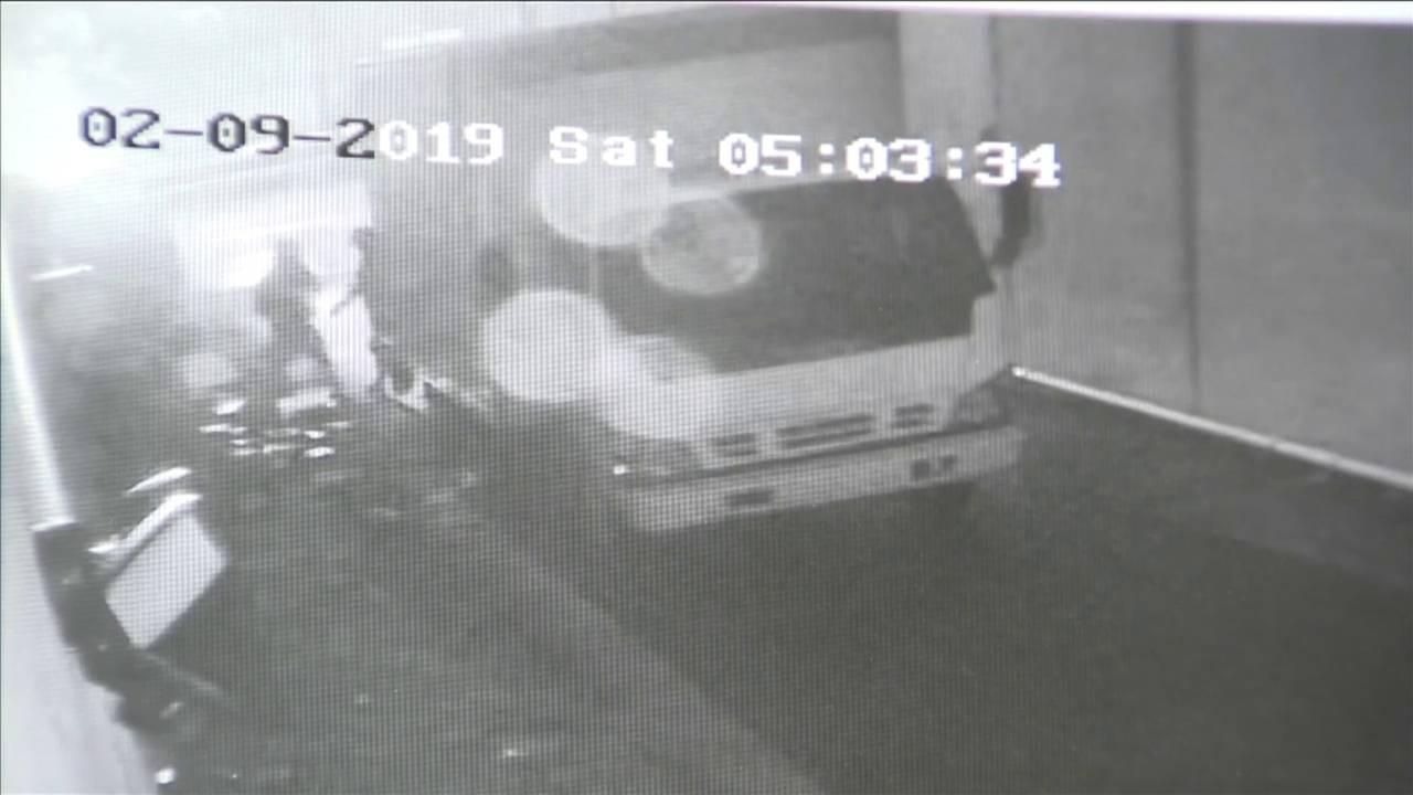 Thieves break into cigar shop in northwest Miami-Dade 20190212181042.jpg