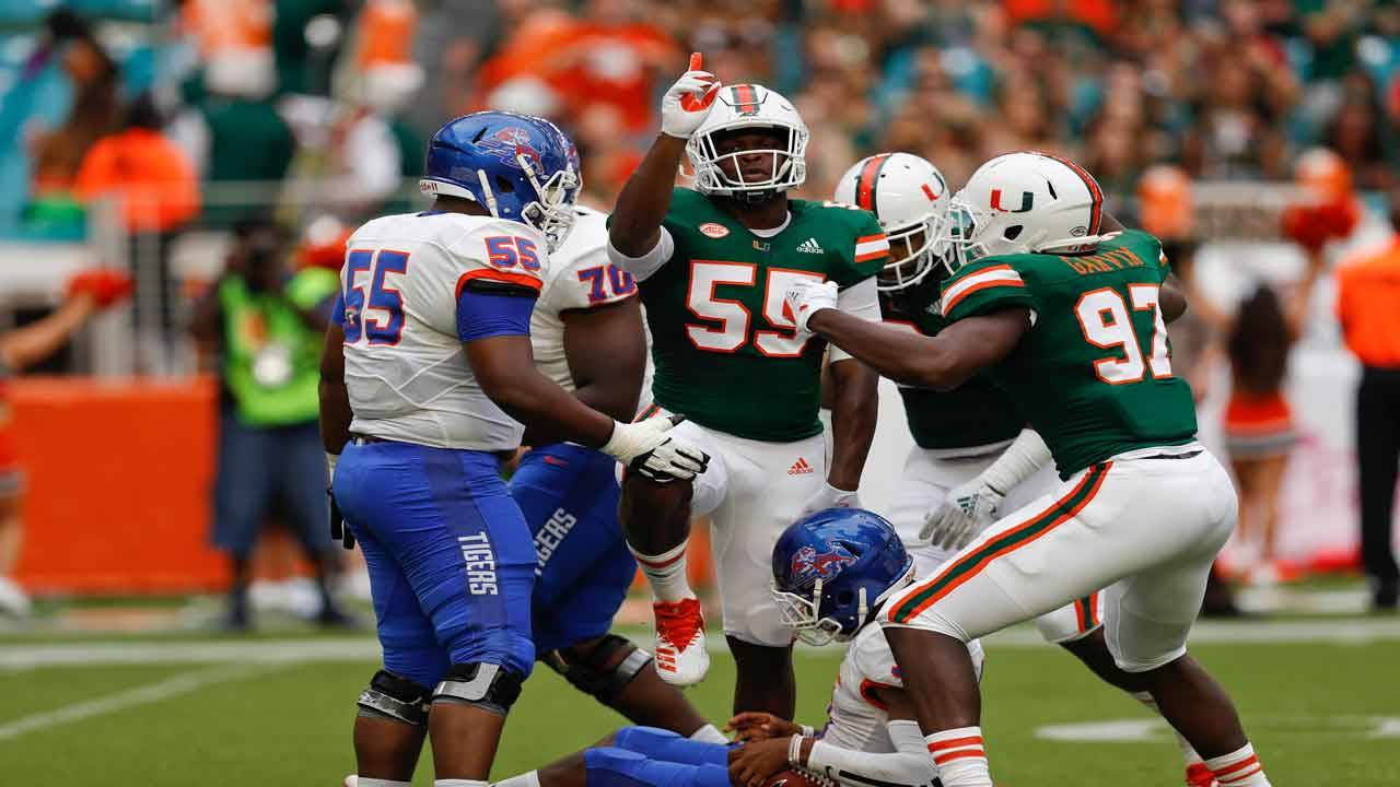 Miami Hurricanes linebacker Shaq Quarterman celebrates after sack vs Savannah State in 2018