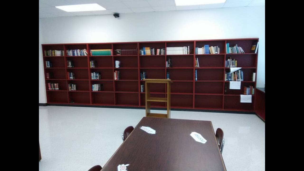 book shortage pic 2_1477412843985.PNG