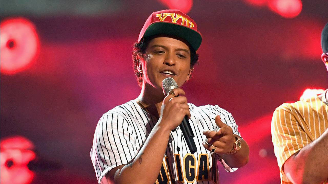 a6cd71cd61c36 Bruno Mars accused of cultural appropriation