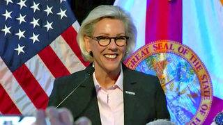 Ex-police chief, openly gay woman elected Tampa mayor
