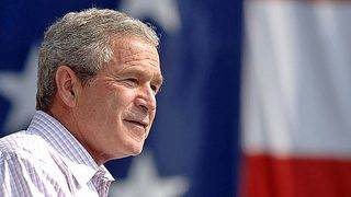 Bush gets pizza for Secret Service, calls for an end to the shutdown