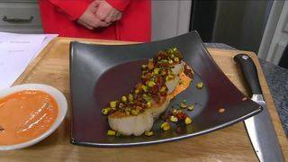 Daytime Kitchen: Pan Seared Scallops with Roasted Garlic Aioli, Succotash