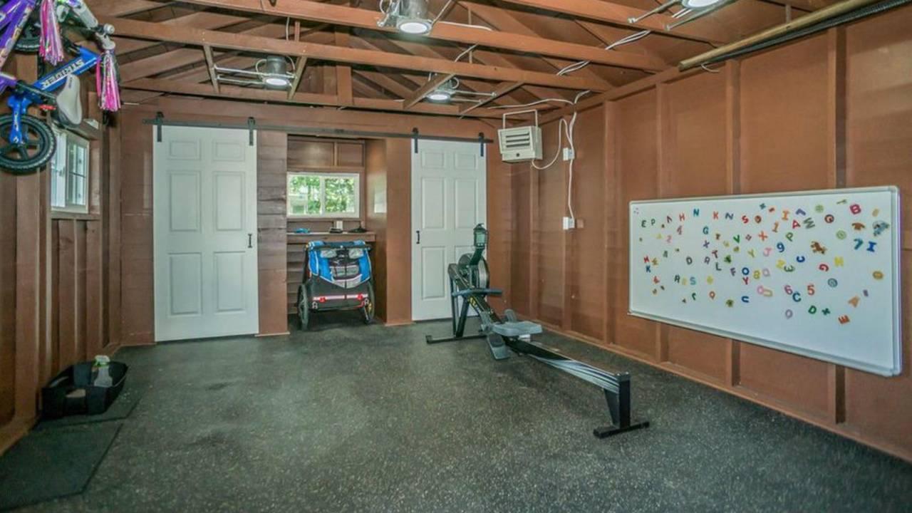 1801 Charlton St garage