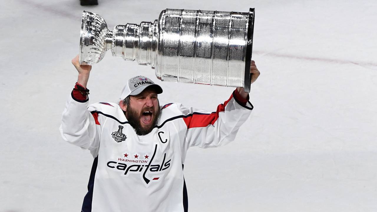 Alex Ovechkin lifts burden off himself 32a549ac7