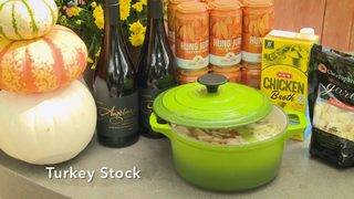 H-E-B Backyard Kitchen: Turkey Stock