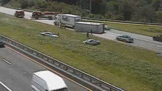 Tractor-trailer crash causing delays in Interstate 81 in Botetourt County