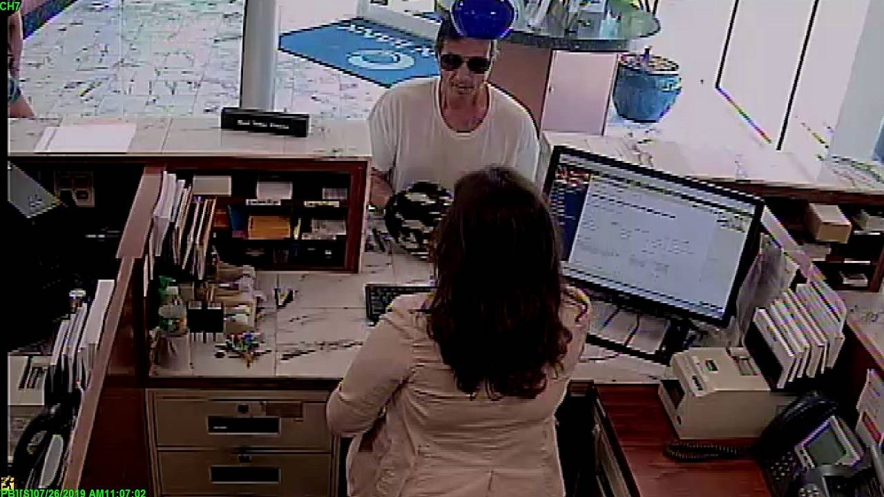 Ocean Bank Miami Beach robber