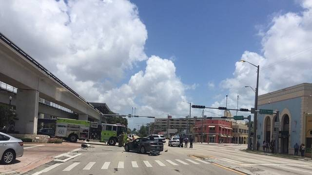South Miami crash on U.S. 1 and Sunset Drive