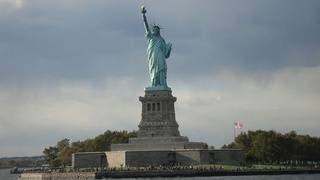 New York to keep Statue of Liberty open during shutdown