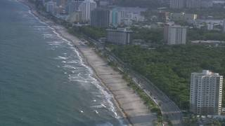 Fort Lauderdale officials confirm toxic red tide has reached city beaches